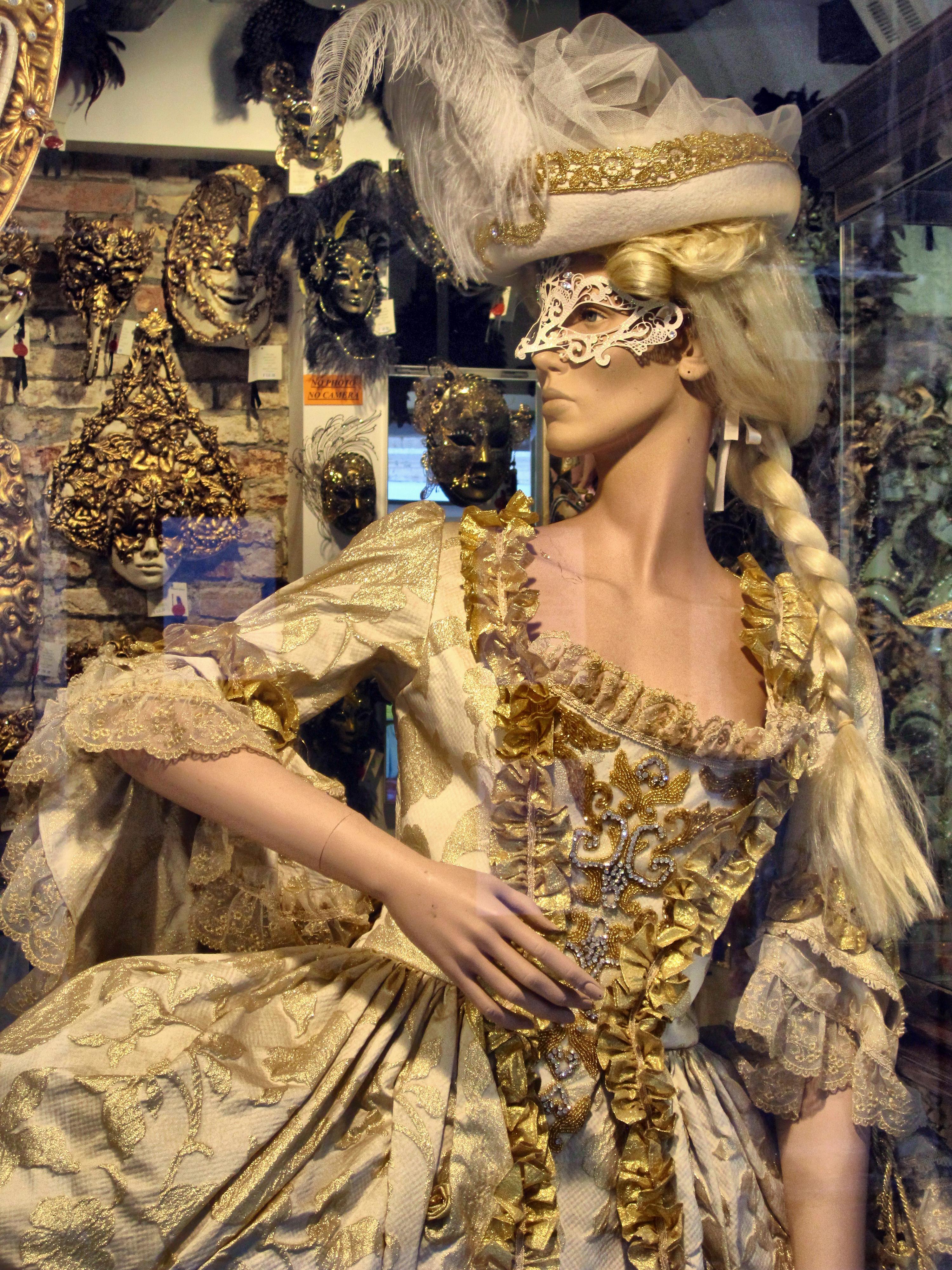 Where is ximena arrivederci venecia for Disfraces de epoca
